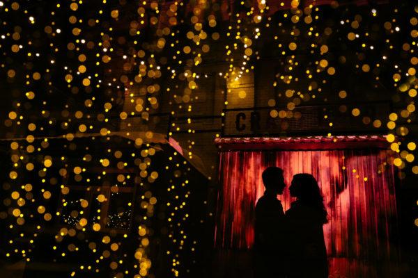 Ночь, огни и поцелуи